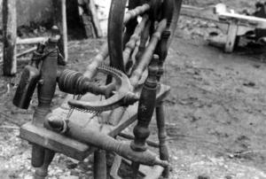 Détail du rouet de Madame Pavec, collectage de la mission Basse-Bretagne de 1939 |