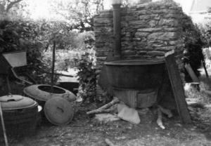 Cuisine en plein air pour les bêtes, collectage de la mission Basse-Bretagne de 1939 |