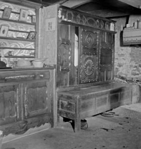 Lit clos et vaisselier chez Monsieur Le Bris, collectage de la mission Basse-Bretagne de 1939 |