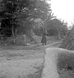 Un coin du hameau, collectage de la mission Basse-Bretagne de 1939 |