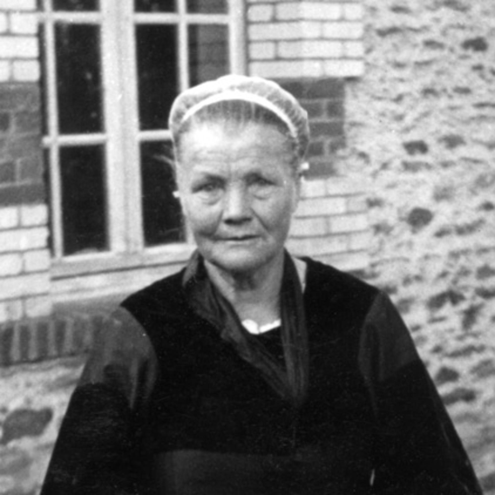 Marguerite Lamandé portrait