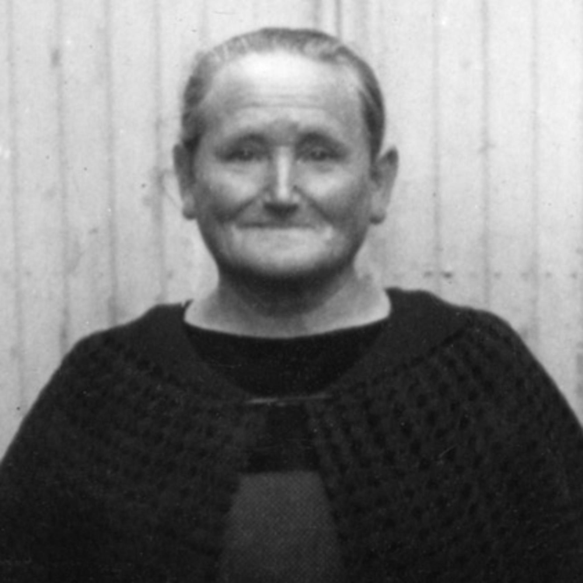 Mme (née Gendron) Le Goff portrait