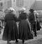 ridée conduite par François Le Brun sur l'air 'mon peloton dévie, dévide-toi donc' ; 16 juillet à 18h10 ; Surzur ; cour du presbytère ; [photo originale 27]