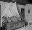 lit de M. Julien Lodého avec coffre à provisions ; 17 juillet à 10h ; Surzur ; Roz ; [photo originale 63]