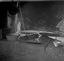 photo originale 95 ; de g. à d. la bassine avec la pâte à crêpes, les 'galettoirs' (sur trépied), le bol et la râpe qui étend la pâte, la 'palette' pour détacher la crêpe du galettoir- 21 juillet à 11h30- Surzur- Kerlis