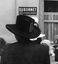 chapeau d'un consommateur revenant du pardon ; 26 juillet à 15h ; Pluneret ; Sainte-Anne-d'Auray ; [photo originale 128]