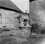 puits dont la pierre faîtière actuelle date de 1864 mais dont l'ancienne était de 1770 ; 28 juillet à 9h20 ; Brandérion ; [photo originale 138]