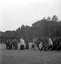 procession de Sainte Anne ; les hommes portant une châsse ; 30 juillet à 16h ; Brandérion ; propriété de M. de Goulen ; [photo originale 173]