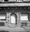 vieilles maisons rue Brizeux (détail) ; 13 août à 14h30 ; Carhaix ; [photo originale 314]