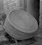 vannerie recouvrant les crêpes froides pour les garantir des mouches ; 14 août à 17h20 ; Le Faouët ; à 5km du bourg ; [photo originale 297]