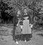 danseuses dont Mlle A.-M. Le Clec'h ; 16 août à 14h ; Saint-Goazec ; [photo originale 348]