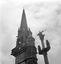 le clocher et le calvaire ; 24 août à 16h ; Le Cloître-Pleyben ; [photo originale 410]