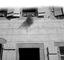 débit signalé par une boule de gui ; 25 août à 10h ; Châteauneuf-du-Faou ; [photo originale 350]